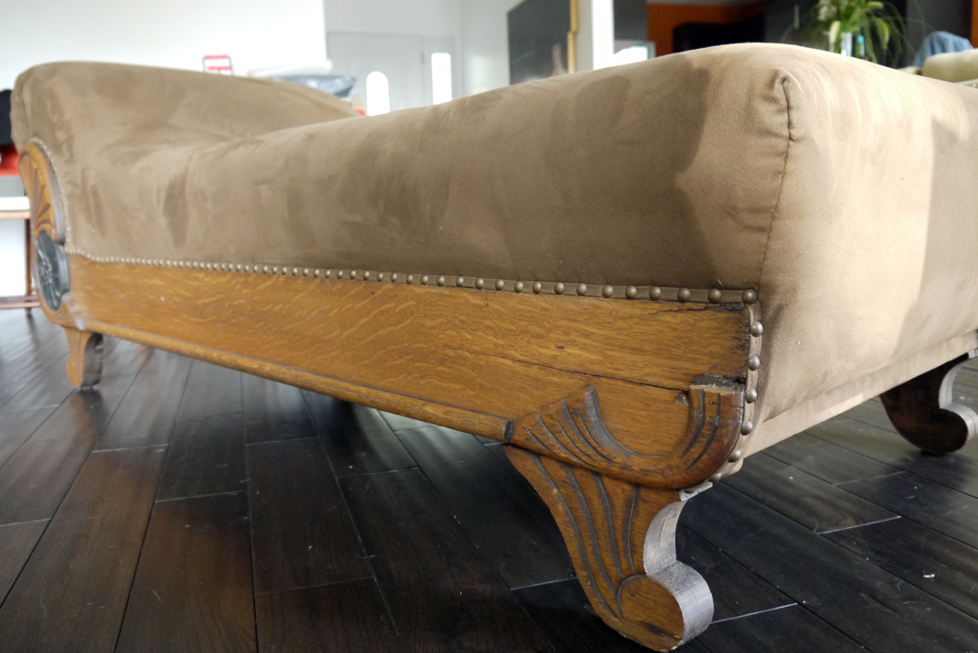 Vintage chaise lounge vintage louis xvi gold painted for Antique chaise longue ebay
